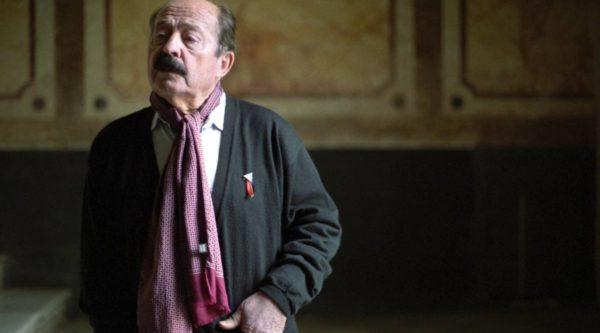 La apasionante vida inventada de un abuelo español que recuerda la mentira de Rodrigo Rojas Vade