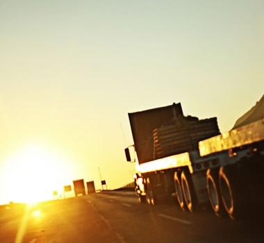 Luis Valenzuela Prado: camiones y rancheras